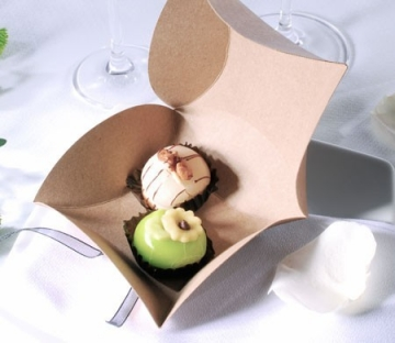 Brown kraft box for wedding favours