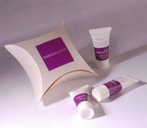 Cosmetics gift box for shops or samples