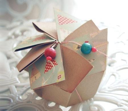 Caja redonda en flor decorada para regalar