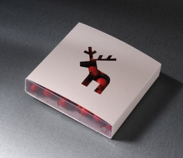 Caja troquelada con figura de reno