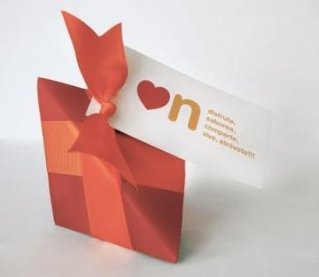 Original caja triangular para caramelos