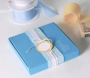 Caja azul para regalo de bautizo o baby shower