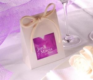 Sacchetto in cartone per bomboniere di nozze