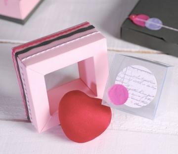 Cajita rosa para invitaciones