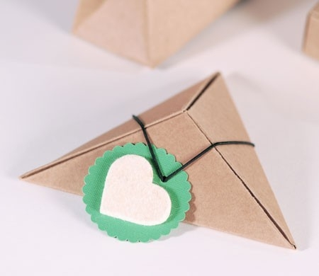 Cajita triangular para regalo