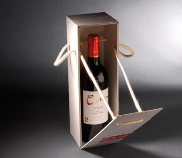 Gift box with label for wine bottles