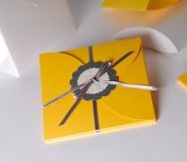 Schachteln für Einladungen oder CDs