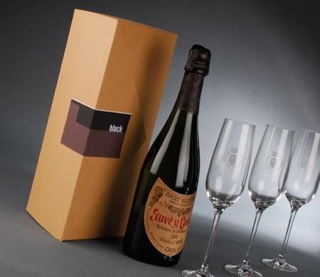 Cardboard box for wine bottles