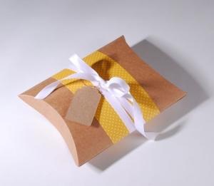 Cajita petaca decorada en amarillo