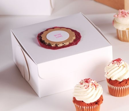 Box for 4 cupcakes with cardboard lid