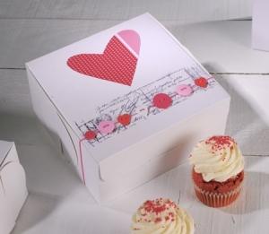 Caja para cupcakes con decoración corazón