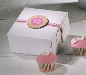 Caja para cupcakes con decoración rosa