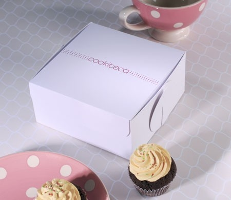 Box for cupcakes with printed logo