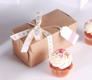 Kleine rechteckige Box für zwei Cupcakes