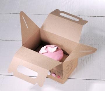 Dekorierte Picknick-Schachtel