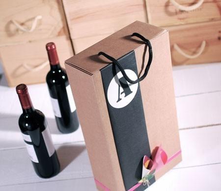 Caja para vinos decorada con flores