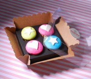 Caja para cuatro cupcakes con etiqueta