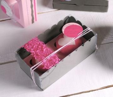 Scatolina per due cupcake decorata con confetti