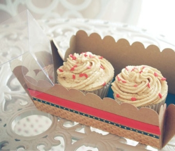 Box for 2 cupcakes, decorated with washi tape