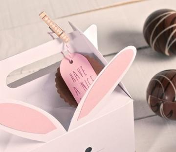 Box to make a cardboard rabbit
