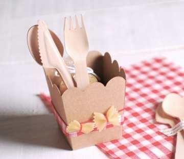 Box with pasta decoration