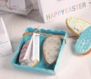 Turquoise gift box for cookies and macarons