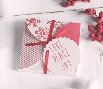 Caja navideña para CD o invitación con lazo