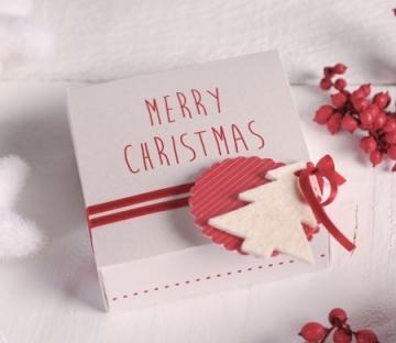 Small gift box for Christmas