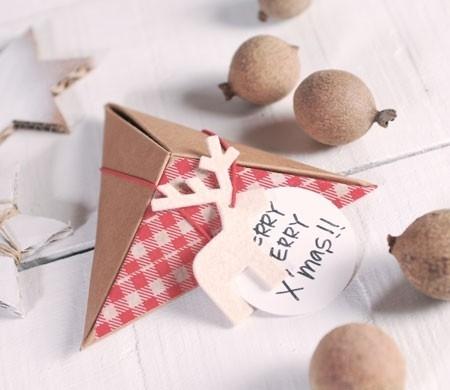 Pyramidal Christmas box