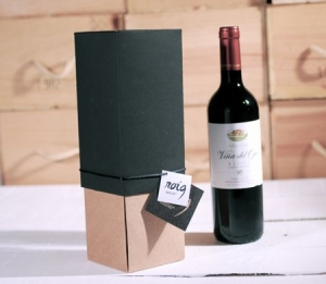 Gift box for bottles of wine