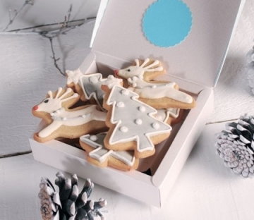 Custom decorated cookie box