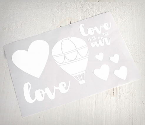 Vinyl decoration 'Love is in the air'