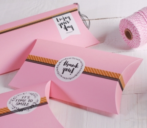 Caja romántica decorada con mensaje
