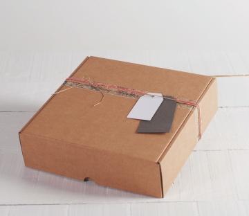 Caja de envíos decorada