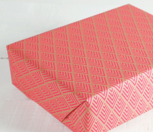 Wrapping paper with borders