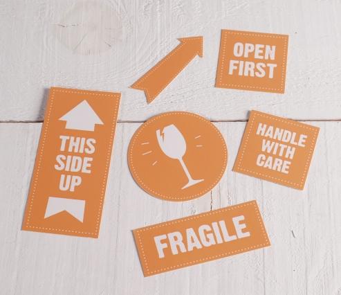 """Etichette """"Fragile"""" per imballaggi"""