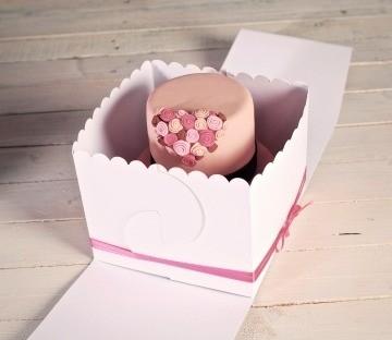 Caja decorada para pasteles