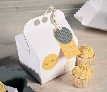 Happy box for cupcakes