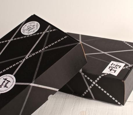"Caja rectangular ""Happy"" con 3 washi tapes"
