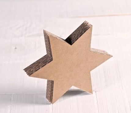 Estrella de cartón pequeña