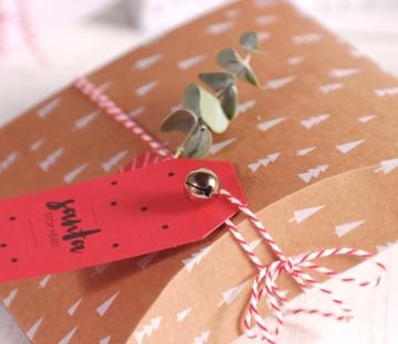 Caja regalo navideña decorada
