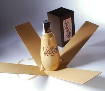 Caja para licores con etiqueta impresa