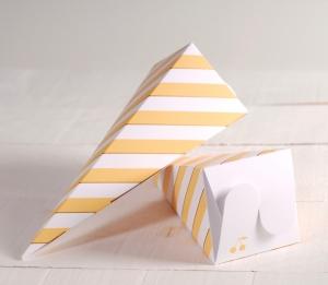 Caja cucurucho decorada