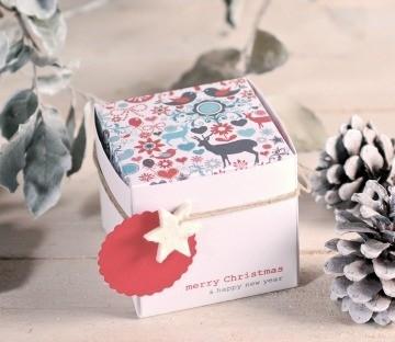 Caja cuadrada impresa para Navidad