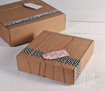 Kraft gift box with cord and label
