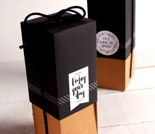 Box to give bottles as gifts