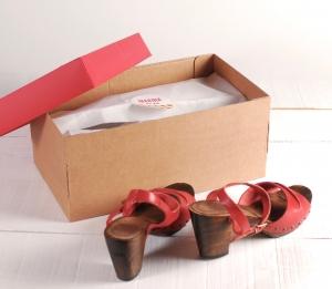 Caja decorada para zapatos