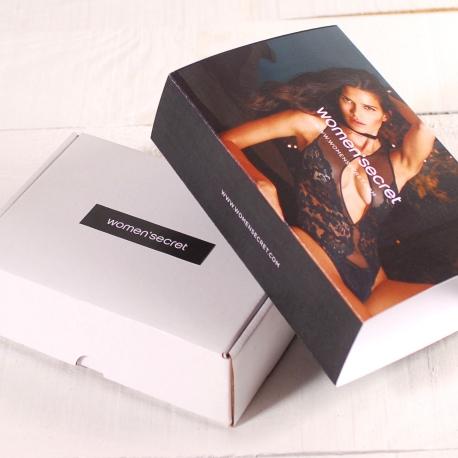 Caja con faja personalizada para lencería
