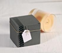 Quadratische Schachtel für Cremes
