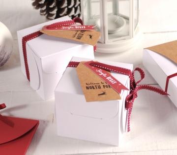 Caja cuadrada de regalos para Navidad